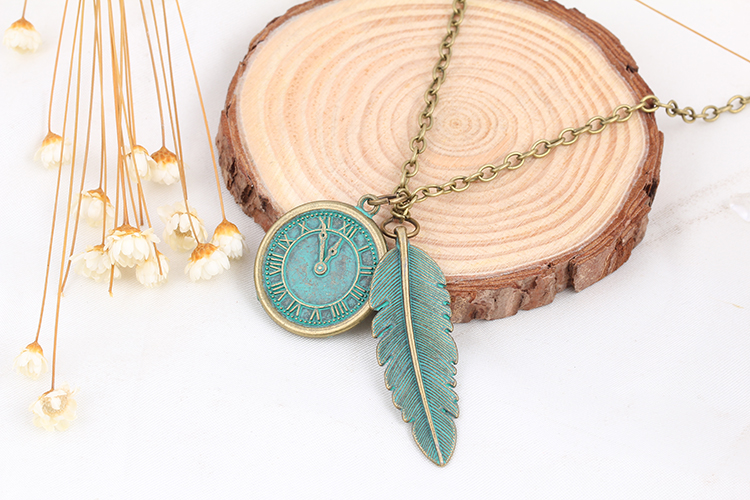 New lovers DIY retro leaves with dial Necklace personalized necklace 32H47